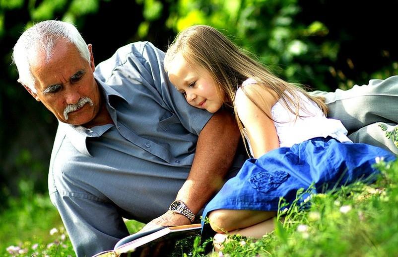Дед и внучка фото
